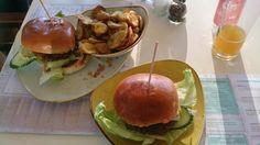Trinidad und Onion Burger im LIDO Beach & Burger in Murnau am Staffelsee . Lust Restaurants zu testen und Bewirtungskosten zurück erstatten lassen? https://www.testando.de/so-funktionierts