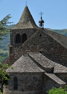 Solar Tiles, Christian Religions, Cathedral Church, Beaux Villages, Chapelle, Place Of Worship, Kirchen, Solar Panels, Rooftop
