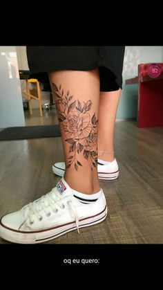 foot tattoos for women flowers Time Tattoos, Body Art Tattoos, Small Tattoos, Sleeve Tattoos, Girl Leg Tattoos, Tatoos, Ankle Tattoos For Women, Tattoos For Women Flowers, Piercing Tattoo