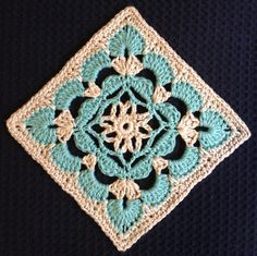 Ravelry: Scallop Flower Square by Beverley Moffitt
