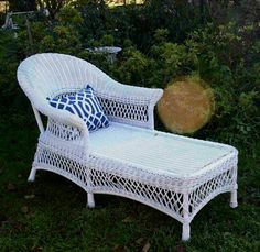 Pretty Delightful French Provincial ALL Weather White Wicker Chaise Daybed | eBay : white wicker chaise lounge - Sectionals, Sofas & Couches