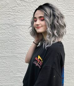 Short cool black to grey ombre bob wave synthetic lace front hair wig Ombre Bob, Silver Ombre Hair, Ombre Hair Color, Blonde Ombre, Silver Wigs, Grey Hair Touch Up, Curly Hair White Girl, Shampoo For Gray Hair, Ombré Hair