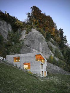 Concrete Modern Architecture seamless with nature. Holiday Home in Vitznau / Lischer Partner Architekten Planer Architecture Design, Amazing Architecture, Contemporary Architecture, Cubist Architecture, Concrete Architecture, Creative Architecture, Russian Architecture, Minimalist Architecture, Building Architecture