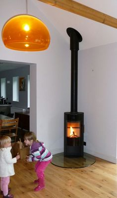 Morso S10 on glass teardrop hearth