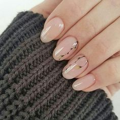 Discover new and inspirational nail art for your short nail designs. Nude Nails, Nail Manicure, Short Nail Designs, Nail Art Designs, Design Ongles Courts, Floral Nail Art, Wedding Nails Design, Minimalist Nails, Stylish Nails