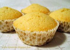 Kreatorta: Muffin (alaptészta) - Az alaptészta:      15 dkg vaj     15 dkg cukor     2 tojás     4 ek. tej     15 dkg liszt     1 kk. sütőpor    Fortélyok: Szobahőmérsékletű vajjal könnyebben dolgozunk. A liszttel már ne keverjük sokáig a tésztát.