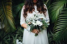 Tampa, Outdoor Bridal Wedding Portrait in Lace, Bohemian Style Wedding Dress | Isabel O