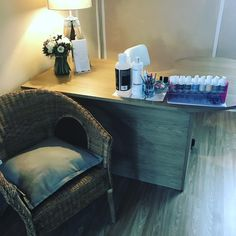 Relaxing Area to get your nails done