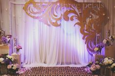 Wedding decorations are not always romantic with hundreds of flowers. To get a warm and casual party, bright colors can be used as decoration. As an inspiration, the decorations of the flower paper… Wedding Ceremony Ideas, Diy Wedding Backdrop, Indian Wedding Decorations, Wedding Stage, Backdrop Decorations, Ceremony Decorations, Backdrop Ideas, Party Kulissen, Bridal Show