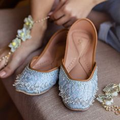 Best Wedding Accessories in India India Wedding, Home Wedding, Shoe Story, Bridal Shoes, Wedding Vendors, Wedding Accessories, Ethnic, Addiction, Footwear