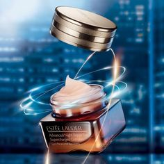 Estee Lauder Advanced Night Repair Eye Supercharged Complex Cream Photography Career, Advertising Photography, Estee Lauder Eye Cream, Anuncio Perfume, Visual Advertising, Photoshop Design, Light Painting, Beauty Care, Health And Beauty