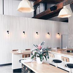 Jolis #luminaires!    #muramur #repost : @thefashionmedley#vsco #vscocam #montrealblogger #montrealer #montreal #igersmontreal #interior #mtlcafecrawl #darlingmovement #thatsdarling #whywhiteworks #lights#kitcheninspo #kitchendecor #coophomegoods #homegoods #kitchendesign #interiordecorating #interiordesign #SOdomino #home #maison #homedecor #decor #homedesign #homestyle #instahome