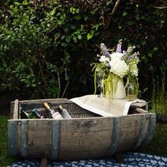 """A wine barrel picked up at a garden shop became the perfect """"drink boat"""" when sawed in half long ways around the world with bash, please: provencal picnic Barris, Drink Display, Deco Champetre, Outdoor Furniture Sets, Outdoor Decor, Wedding Furniture, Vintage Furniture, Party Outdoor, Outdoor Food"""