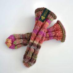 Die Babysocke ohne Fersen...daher kein Verdrehen mehr und das Beste, der Socken wächst mit... CHEN Baby   SOX Sock Shoes, Fingerless Gloves, Chen, Arm Warmers, Socks, Design, Fashion, Breien, Fingerless Mitts