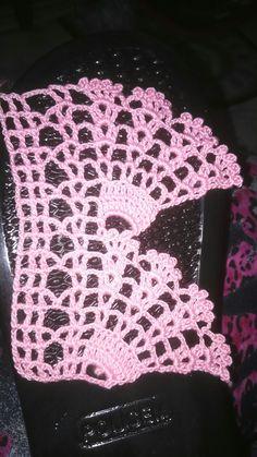 #havlukenarı #dmc #babylo #pınk #crochet Crochet Art, Crochet Poncho, Love Crochet, Filet Crochet, Easy Crochet, Crochet Borders, Crochet Stitches Patterns, Crochet Designs, Crochet Toddler