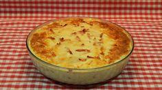 Cómo hacer pastel de patatas con beicon y queso / Receta fácil
