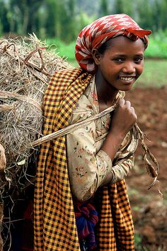 Africa - Ethiopia / Dorze/    Not very far from Arbaminch, in the moutains, live the Omotic Dorze people. They are famous for their houses which are constructed with vertical hard wood poles and woven bamboo. It can be 10 meters high.