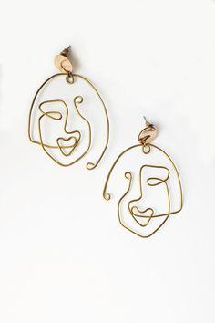 """grafical earrings - """"Twins"""" grafical spontanouis handmade earrings by MONOLINED (Information: kein Echtgold, Sterlingstecker) Diy Gold Earrings, Bar Stud Earrings, Gold Earrings Designs, Crystal Earrings, Earrings Handmade, Diamond Earrings, Bridal Earrings, Handmade Jewelry, Gold Bracelets"""