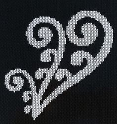 New Zealand Maori Heart Koru Design Cross Stitch Pattern Cross Stitch Sea, Cross Stitch Cards, Modern Cross Stitch, Cross Stitch Designs, Cross Stitching, Cross Stitch Patterns, Maori Patterns, Heart Patterns, Knitting Designs