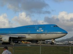 KLM 747 in SXM Airbus A380, Boeing 747, 747 Airplane, Airline Alliance, Cargo Services, Aviation Industry, Commercial Aircraft, Air France, Airports