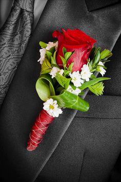 Toller Anstecker mit roter Rose... Entdeckt wunderschöne Anstecker in unserer riesigen Bildergalerie und lasst euch von den vielen Ideen verzaubern.