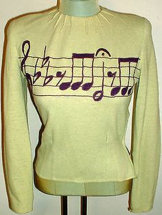 Amazing 1940s Vintage Sexy Fitted Knit Top SWEATER Embroidered MUSICAL NOTES