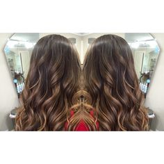 balayage bronde beauty beautiful Chrissy Teigen Celebrity celeb worthy inspired inspo mermaid hair locks long layers layered chocolate cocoa brown brunette carmel highlights painted