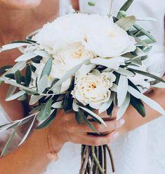 Bouquet de mariée Eucalyptus, Decoration, Rose Anglaise, Marie, Creations, Crown, Instagram Posts, Style, Olive Tree