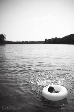 Fleeting Holiday Moments - Photo Story by Elwira Kruszelnicka Street Pictures, Make Photo, Photo Story, That Look, In This Moment, River, Fine Art, Black And White, Holiday
