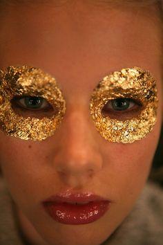 gold leaf @@@.....http://www.pinterest.com/marrikanakk/don-t-like-it-spray-it-with-gold/