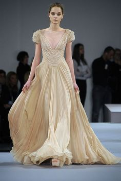 Celebrities who wear, use, or own Elie Saab Spring 2009 HC Empire Organza Gown. Also discover the movies, TV shows, and events associated with Elie Saab Spring 2009 HC Empire Organza Gown. Style Haute Couture, Couture Mode, Spring Couture, Couture Fashion, Runway Fashion, Fashion Show, Fashion Design, Fashion Music, Vogue Fashion