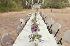 Simple + rustic wedding table decor | @Mariela Campbell Photography