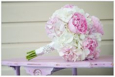 Love these pretty flowers! #flowers #bride #bridalbouquet #marriage   Bluffmountaininn.com