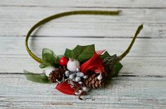 Holly berry headband, Red christmas crown, Winter hairpiece, Red and green hairpiece, Winter hair accessories, Red berry headband, Moss - pinned by pin4etsy.com