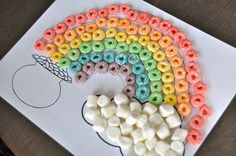 preschool activities for Saint Patrick& Day. Fruit loops and marshmallows March Crafts, St Patrick's Day Crafts, Spring Crafts, Holiday Crafts, Holiday Fun, Saint Patricks Day Art, St. Patricks Day, St Patricks Day Crafts For Kids, Toddler Art
