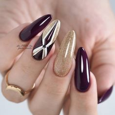 gentle nails purple and gold Girls Nail Designs, Simple Nail Art Designs, Bling Nails, Stiletto Nails, Beach Holiday Nails, Nail Selection, Golden Nails, Jugend Mode Outfits, Nail Length