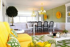 For those of you who like bright colors and hobbies to combine colors for home design, it helps you look at the design of living room by Maria Barros below Decoration Design, Deco Design, Room Colors, House Colors, Living Room Designs, Living Spaces, Black And White Chair, White Chairs, Black White