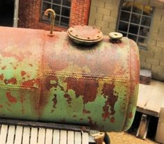 weathered scale model - how to weather metal. © Dave's Model Workshop www.davesmodelworkshop.com