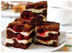 Brownies s tvarohom a s višňami - Mňamky-Recepty. Czech Recipes, Russian Recipes, Cheesecake, Cream Cheese Brownies, Sweet Pastries, Chocolate Brownies, Chocolate Pudding, No Bake Cake, Sweet Recipes