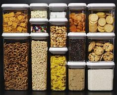 52  Weeks of Food Storage - What to buy each week so that at the end of the year you have a year's supply of emergency food.