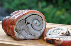 Porchetta - gerollter Schweinebauch vom Spieß | BBQPit.de