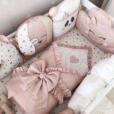 Crib Bumper Pillow Set Crib Pillow Bumber Set For Crib Bumper pads with crib canopy crib sheet and baby blanket for baby girl crib bedding Baby girl nursery. Girl Cribs, Baby Cribs, Baby Girl Bedding Sets, Baby Crib Bedding, Crib Pillows, Bumper Pads For Cribs, Baby Room Decor, Baby Sewing, Canopy Crib