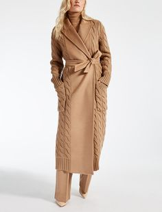 CILE Chameau, Knitted Shawls, Knitted Coat, Knitwear, Knit Fashion, Fashion Outfits, Max Mara Coat, Winter Chic, Camel Coat
