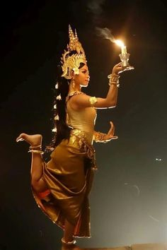 Khmer Tattoo, Cambodian Art, Thailand Fashion, Dance Magazine, Statues, Tribal Belly Dance, Tribal People, Thai Art, Dance Poses