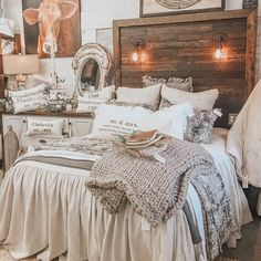 Excellent old french deco are offered on our web pages. Have a look and you wont be sorry you did. French Country Bedrooms, French Country Decorating, Bedroom Country, Country French, Vintage Country, Country Chic, Country Living, Easy Home Decor, Minimalist Bedroom