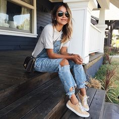 Cute Summer Outfits To Copy Right Now White Tees And Denim Overalls = Summer Style. // Shop this outfit in the link Fashion Moda, Look Fashion, Autumn Fashion, Womens Fashion, Street Fashion, Cheap Fashion, Fashion Shoes, Latest Fashion, Denim Fashion