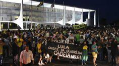 Moro divulga conversa entre Lula e Dilma: Manifestantes antigoverno tomam ruas de capitais