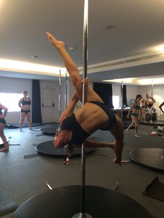 Poledance_pd