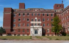 The Logan County Memorial Hospital is located at the intersection of street and Warner Avenue in Guthrie. Abandoned Asylums, Abandoned Buildings, Abandoned Places, Haunted Places, County Hospital, Memorial Hospital, Places Around The World, Around The Worlds, Abandoned Hospital