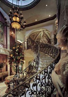 See more excellent decor tips here: http://www.pinterest.com/delightfulll/